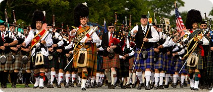 massed pipe bands